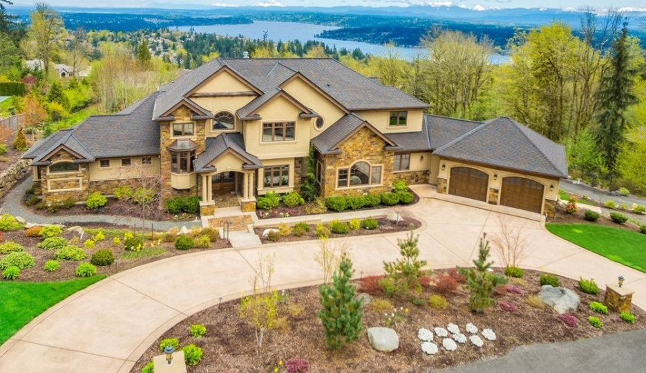 3 5 million stone stucco home in bellevue wa homes for Home builders in wa