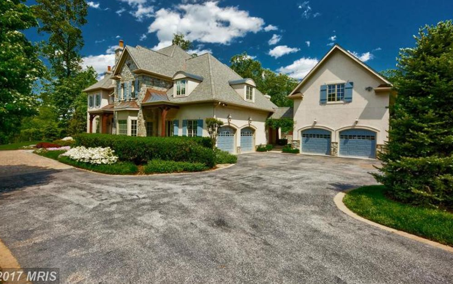 10 000 Square Foot Stone Stucco Mansion In Mclean Va