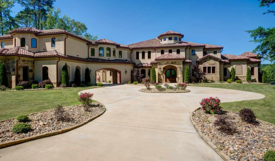 10 000 Square Foot Spanish Style Lakefront Mansion In