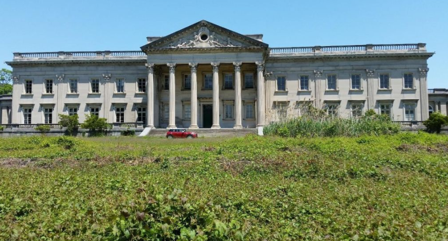 Pennsylvania S Historic Lynnewood Hall Re Listed For 17 5 Million Homes Of The Rich