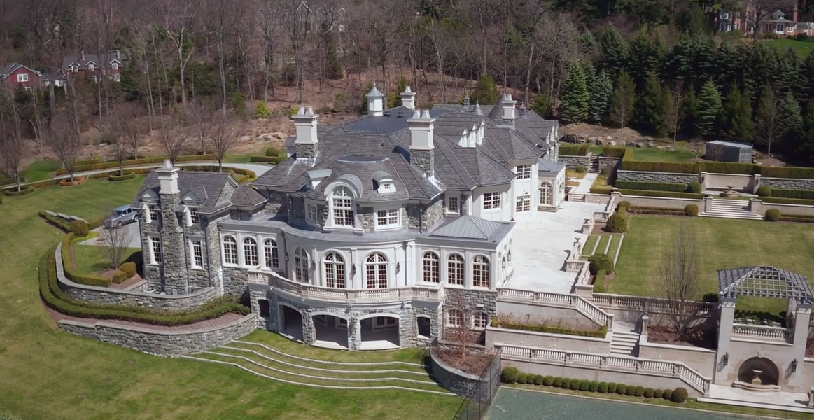 the stone mansion in alpine nj re listed for 45 million homes of the rich. Black Bedroom Furniture Sets. Home Design Ideas