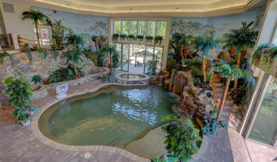 20 000 square foot mansion in mohnton pa with 3 story for Average square footage of a pool