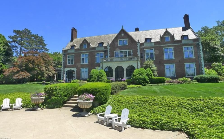 12 000 Square Foot Historic Lakefront Mansion In Bratenahl