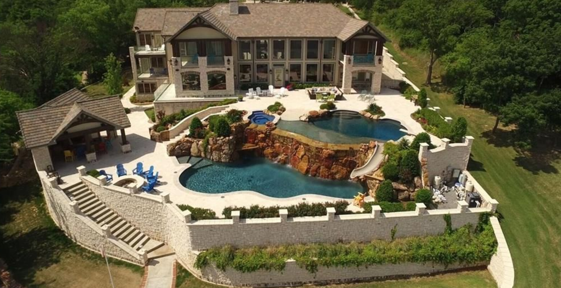 Lakefront Mansion In Denison Tx With 2 Pools Amp A Helipad