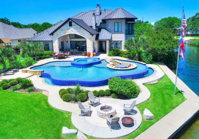 Lakefront Home In Sunrise Beach Tx