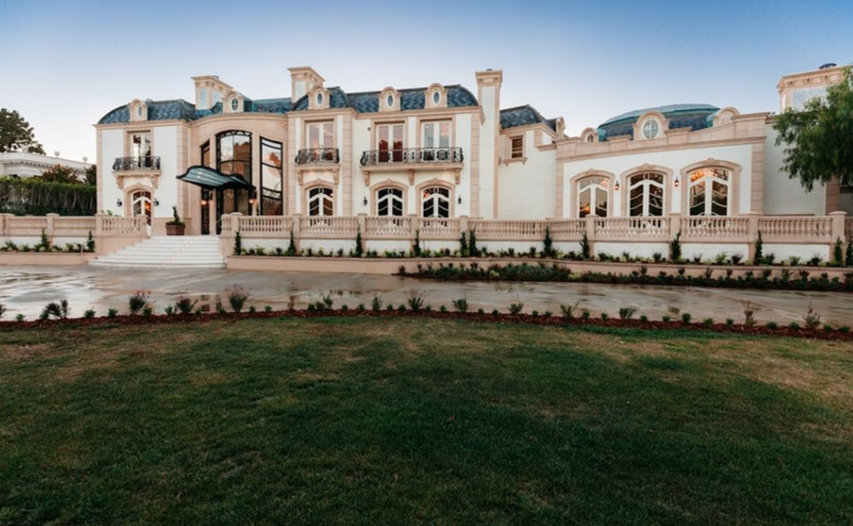 Beverly hills mega mansion re lists for 80 million for Beverly hills celebrity homes map