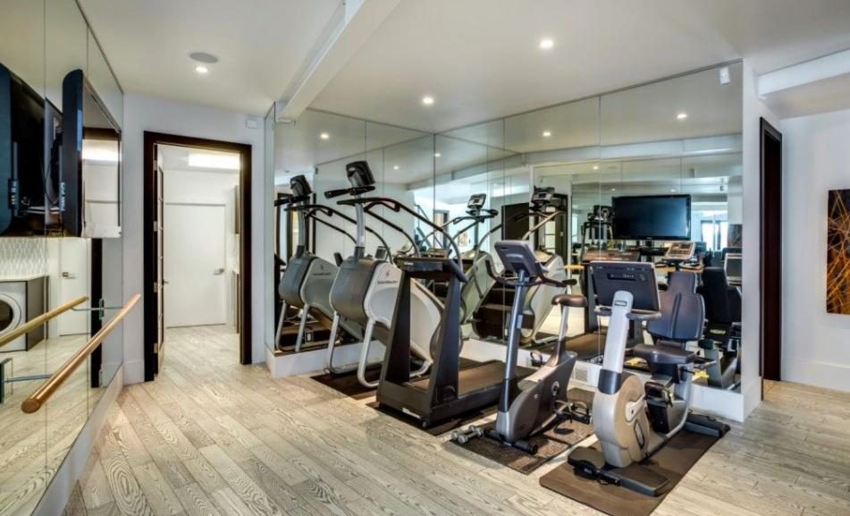Gym Pilotu0027s Dream Home With Private Hangar
