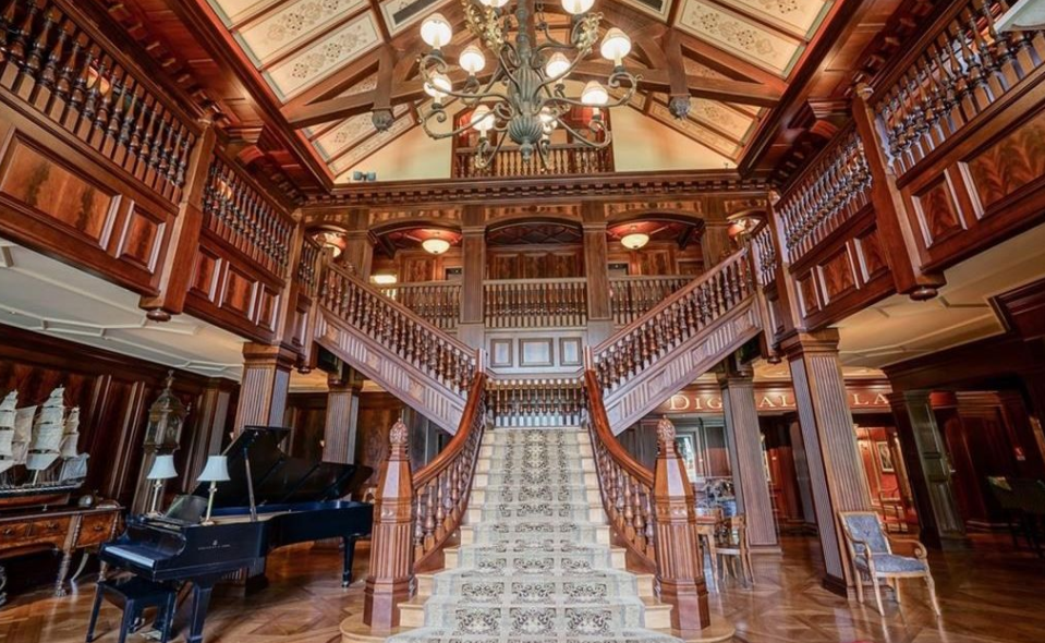 24 000 Square Foot Historic Mansion In Carmel Indiana