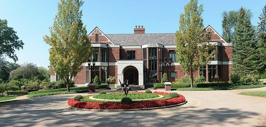 Tudor style brick mansion in bloomfield hills michigan - House of bedrooms bloomfield hills mi ...