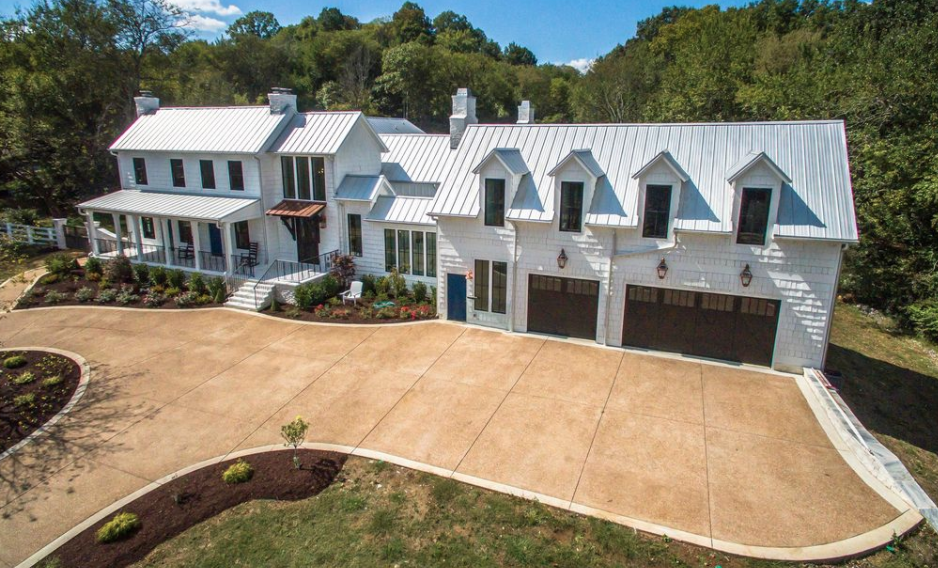 Newly Built Modern Farmhouse Style Home In Franklin Tennessee Homes Of The Rich