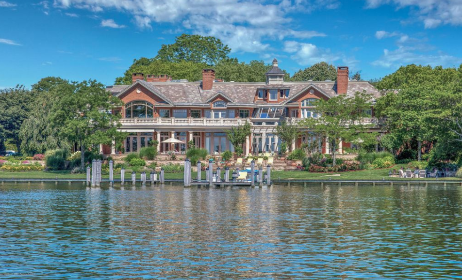 31 000 Square Foot Waterfront Mega Mansion In Brielle New Jersey Homes Of The Rich