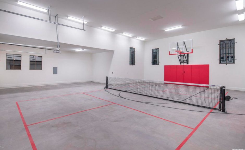 Garage Indoor Basketball Court Homes Of The Rich