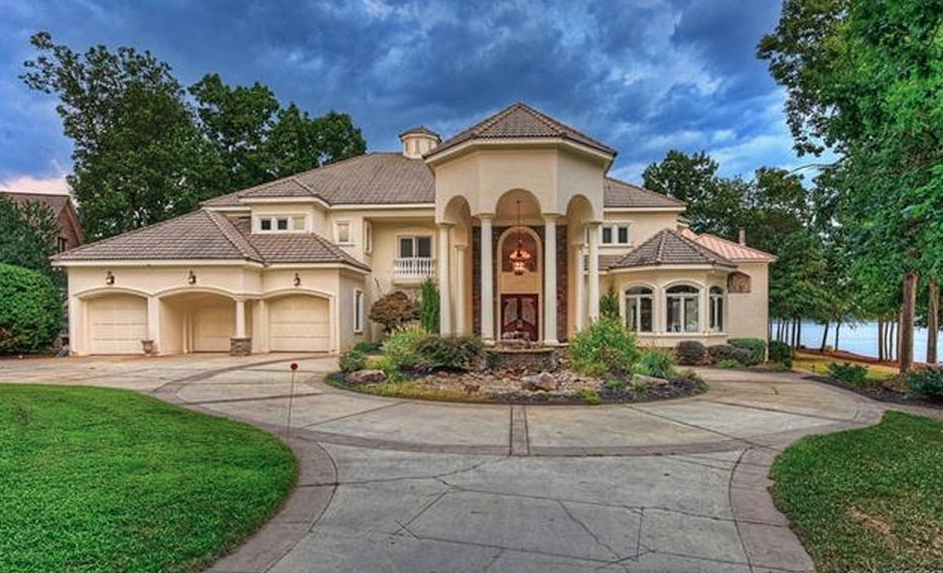 Lakefront Stone Amp Stucco Home In Denver North Carolina Homes Of The Rich