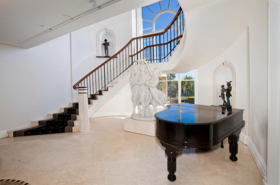 Foyer Wales Home : Homes of the rich luxury real estate