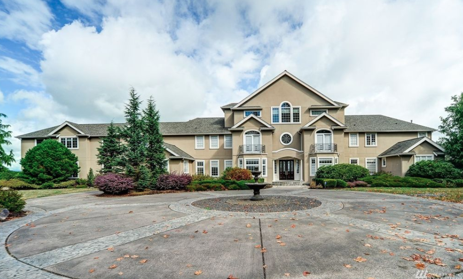13 000 Square Foot Stucco Mansion In Redmond Washington Homes Of The Rich