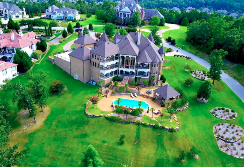 14 000 Square Foot Brick Amp Stone Mansion In Little Rock