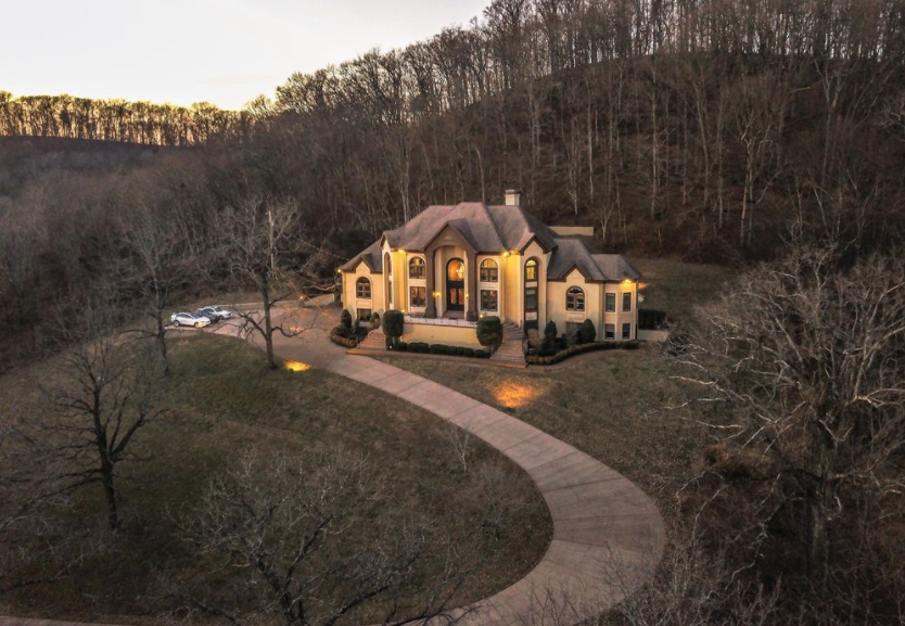 Hilltop Home In Franklin Tennessee Homes Of The Rich