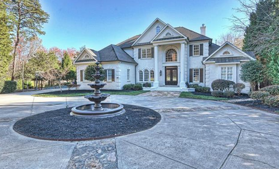 Million Lakefront Home In Cornelius North Carolina