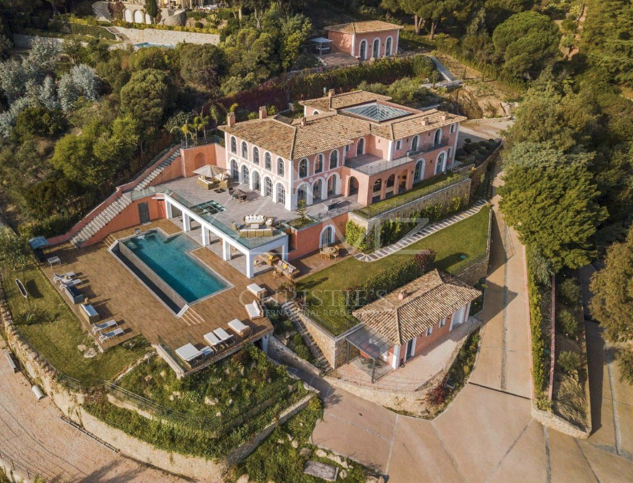 Spectacular Estate In Cannes France Homes Of The Rich