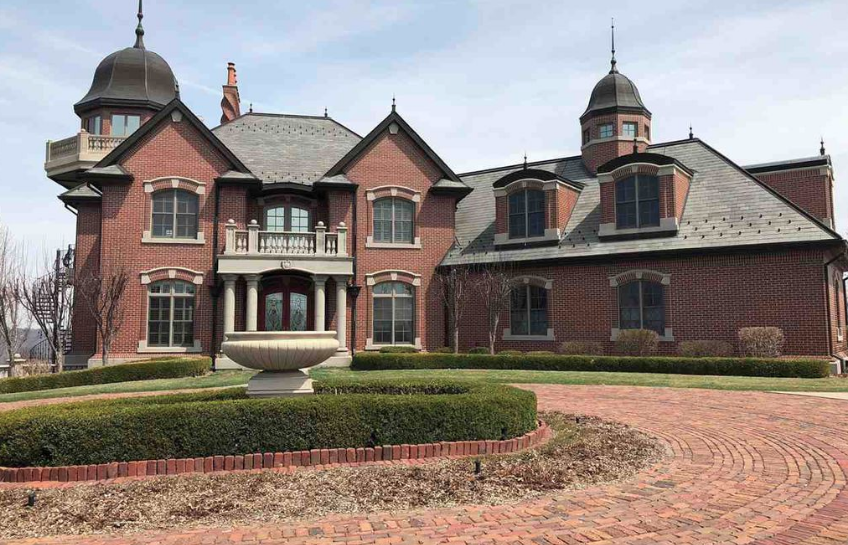 2 million riverfront brick home in dubuque iowa homes for Home builders in iowa