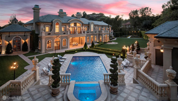 Homes Of The Rich For The Mansion Obsessed Page 92
