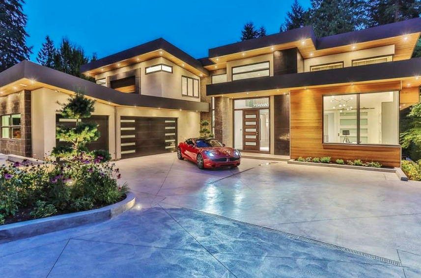 A Mansion in the Prestigious Whitby Estates, West Vancouver