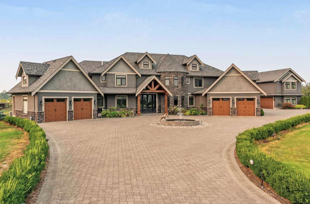 11 Acre Estate In British Columbia With 10 Car Garage And