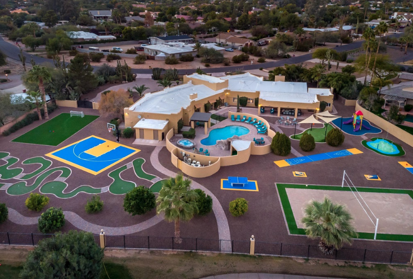 Rent This Arizona Home Complete With The Coolest Backyard ...