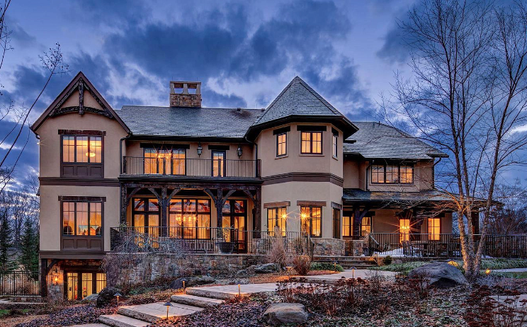 Potomac, Maryland Home With 18-Car Garage