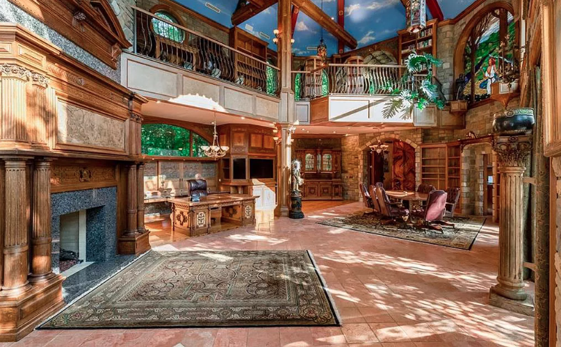 11 Million Kansas Estate With Incredible Backyard Homes