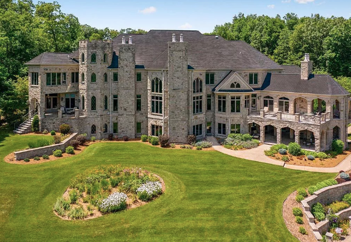 Stone Home On 75 Acres In Toddville, Iowa