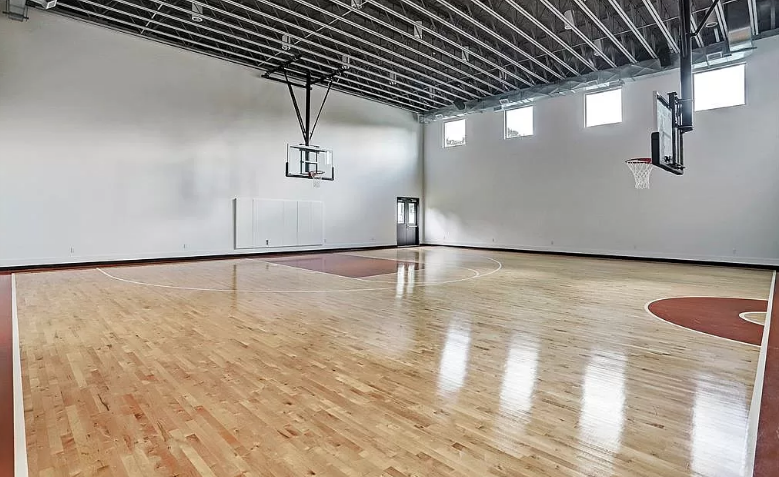 24 5 Million Houston Texas Mansion With Indoor Basketball Court Homes Of The Rich