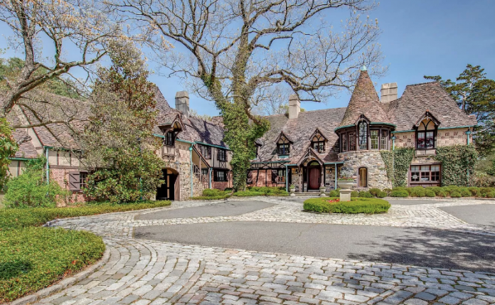 $15 Million Tudor Style Home In Oyster Bay Cove, New York