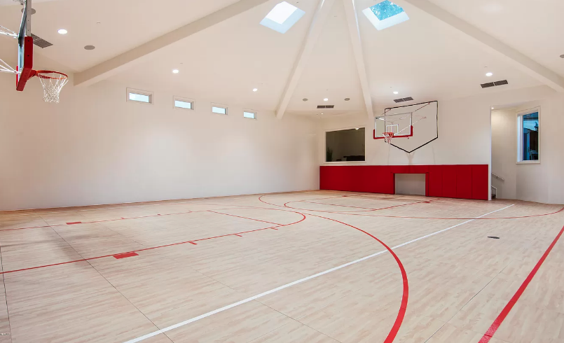 8 Million California Home With Resort Style Pool Indoor Basketball Court Homes Of The Rich