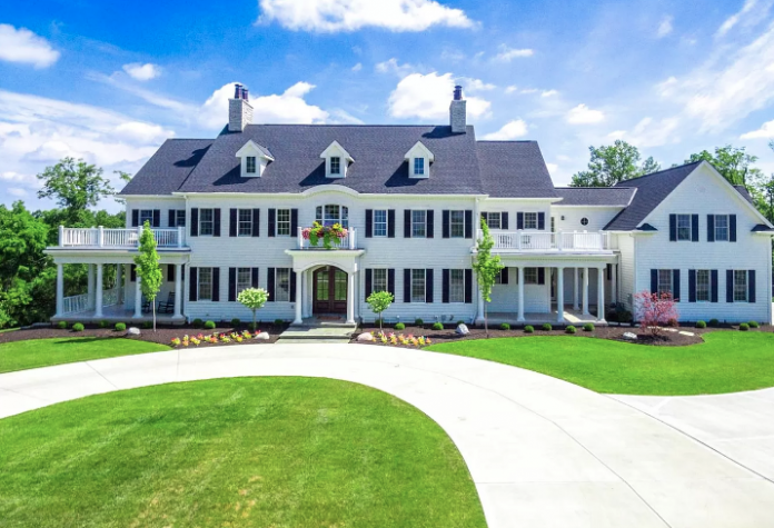 $3 Million Colonial Home On 6 Acres In Cincinnati, Ohio